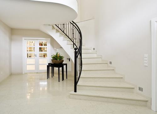 treppenstufen die sch nsten treppenstufen kommen von maas gmbh. Black Bedroom Furniture Sets. Home Design Ideas